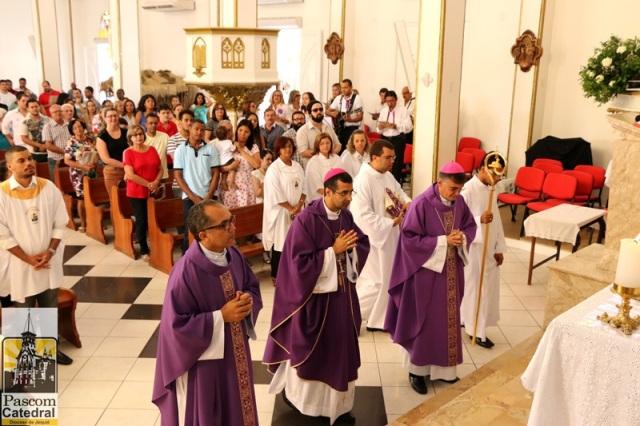 Bispo auxiliar de Olinda e Recife faz profissão de Fé e Juramento de Fidelidade