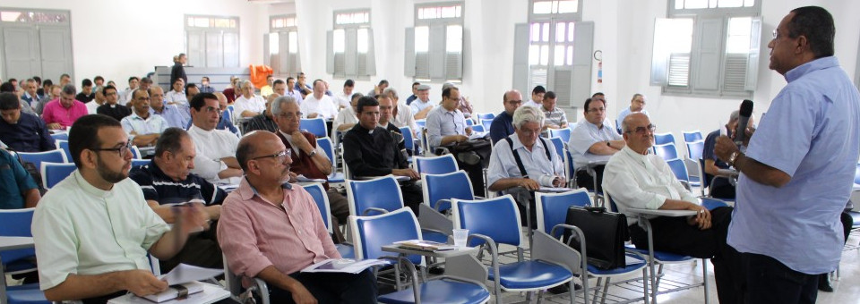 Reunião do Clero apresenta seminaristas e discute Campanha da Fraternidade