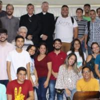 Universitários prestigiam conferência de Dom Antônio Tourinho no Vicariato Soledade