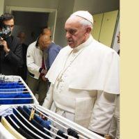 Depois de inaugurar lavanderia, Papa cria o Dia Mundial dos Pobres e envia mensagem aos fiéis