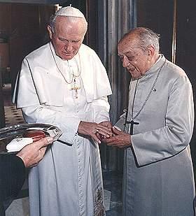 Papa Wojtyla y Helder Camara