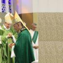 Missa de envio de dom Antônio Tourinho é marcada por homenagens
